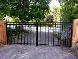 Aluminum Driveway Gate Jpg 1 000 750 Pixels Aluminum Driveway Gates Cedar Fence Aluminum Fence