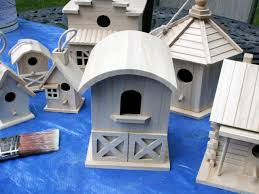 Decorate A Fence With Birdhouses How Tos Diy