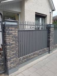 16 Mind Blowing Modern Fencing Brick Ideas 7 Genuine Clever Hacks Horizontal Fence Aluminum Low Fence Stones Fence Design Modern Fence Design Backyard Fences