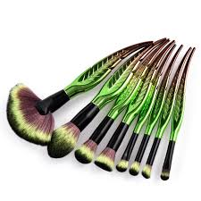 revolt jungle magic makeup brush set