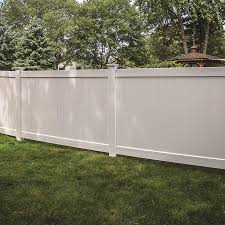 Freedom Ready To Assemble Bolton 5 Ft H X 8 Ft W White Vinyl Flat Top Fence Panel In The Vinyl Fence Panels Department At Lowes Com