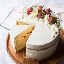 strawberry shortcake cake so summery