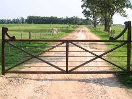 Ranch Gates Ranch Driveway Gates Http Www Ranchdrivewaygates Com Ranch Driveway Farm Gate Farm Entrance Farm Gate Entrance