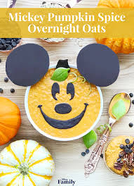 Mickey Pumpkin Spice Overnight Oats