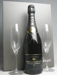 moet chandon nectar gl with gift set