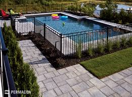 Function Meets Beauty With This Paver S Natural Chiseled Stone Texture Amenagement Paysager Autour De La Piscine Piscine Amenagement Paysager Cloture Piscine