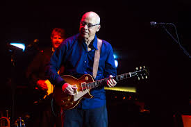 Mark Knopfler Using Kemper Profiling Amps for His Onstage Sound | Guitar  World