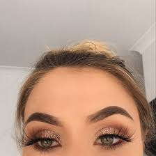 soft makeup looks for brown eyes
