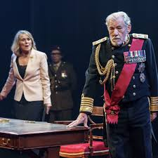 King Lear review – Ian McKellen is full of surprises