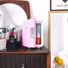 Có cần mua tủ lạnh mini dùng riêng cho sản phẩm chăm sóc da?