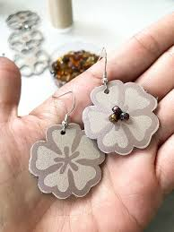 make easy diy earrings with iron on