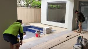 How To Install A Frameless Glass Pool Fence With Threaded Rod Spigots Youtube