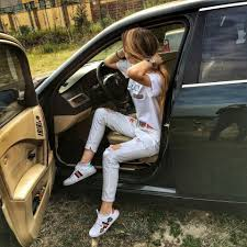 صور بنات شيك مع سيارات جميلة 2018