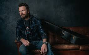 Desert Son Holiday Photo Shoot with Dierks Bentley – Flag & Anthem