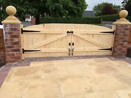 Wooden Driveway Gates 4ft Highest Point X 10ft Wide Total Ebay