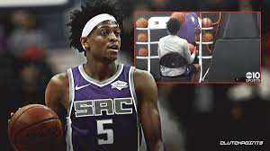 Kings video: De'Aaron Fox shoots from a chair as he continues to recover  from ankle injury