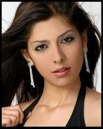 Adriana Castillo Pictures - FanPix