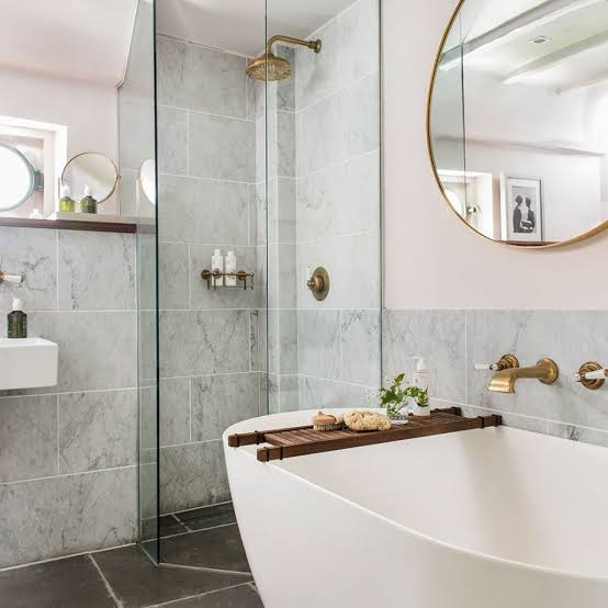6 Tips on Decorating Small & Narrow Bathroom