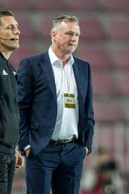 Michael O'Neill (footballer) - Wikipedia