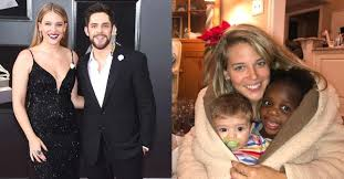 """E! News on Twitter: """"Thomas Rhett and Lauren Akins gushed about their  adorable daughters Willa Gray and Ada James while on the #ERedCarpet:  https://t.co/bqQ4JU0Jj4… https://t.co/VeQGVaqc5L"""""""