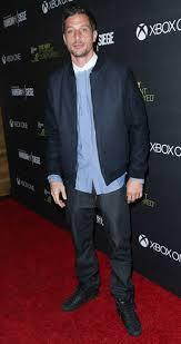 Simon Rex Height - How tall