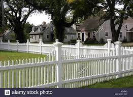 White Picket Fence And Cape Cod Homes Falmouth New England Stock Photo Alamy