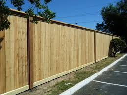 8 Ft Cedar Cap Top Fence With 2x6 Rot Board 2x6 Cedar Trim Facia Every 21 Ft Cedar Fence Cedar Fence Pickets Wood Fence Design