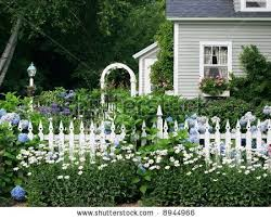 Pinterest White Picket Fence With Flowers Beautiful Garden Setting With Flowers And Gates English Garden Design Cottage Garden Design Beautiful Gardens