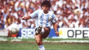 Venduta all'asta la maglia di Maradona: va all'agente di Giovinco ...