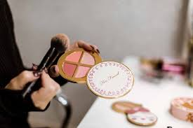 make them shine gift ideas for makeup
