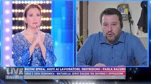 Barbara D'Urso e Matteo Salvini: L'Eterno riposo in diretta tv