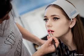 paris fashion week 2016 60s makeup at