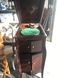 box and phonograph restoration