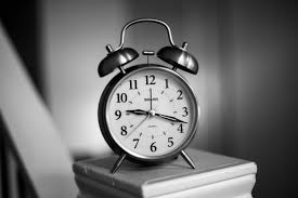 Free Images : alarm clock, still life photography, black and white, home  accessories, number, still life, interior design, monochrome photography,  style, quartz clock, pocket watch 6016x4016 - - 1499241 - Free stock photos  - PxHere