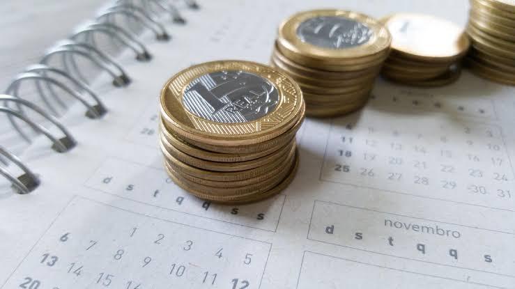 """Resultado de imagem para Aposentado que ganha salário mínimo tem reajuste menor que quem ganha mais"""""""