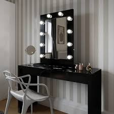hollywood mirror in black gloss makeup
