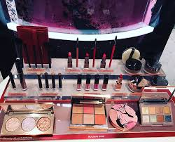 laura mercier holiday 2019 swatches