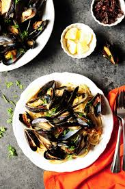 Mussel Recipe with White Wine Sauce