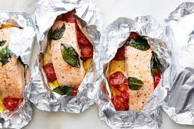 salmon and tomatoes in foil recipe