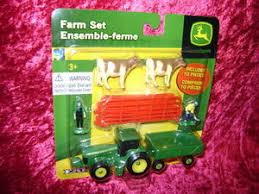 Ertl 35939 Farm Set 10 Pc Red Fence Cows Men S Scale 1 64 Z Trains And Toys For Big Boys