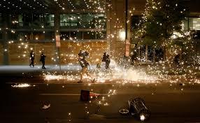 Беспорядки в США - что происходит, поджог автомобилей, столкновения с  полицией, все подробности - 112 Украина