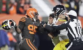 Browns-Steelers: Myles Garrett ejected for Mason Rudolph brawl