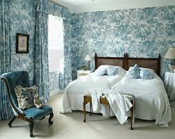 50 bedspreads with matching wallpaper