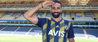 Adil Rami Again In A Relationship? - Somag News