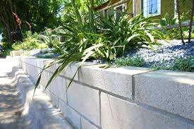 a diy cinder block retaining wall project