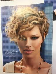 Short Curly Hair With Images Fryzura Krotka Krotkie Krecone