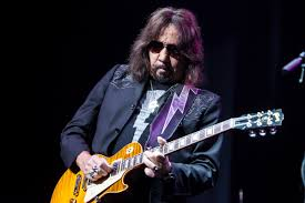 Gene Simmons And Ace Frehley Together Give More Kiss Than A Kiss Concert -  Noise11.com