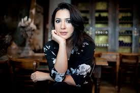 Michelle Branch Is Back With 'Hopeless Romantic' – WWD
