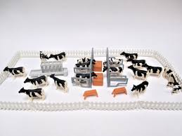 Vintage Ertl Miniature Dairy Farm Hard Plastic Cows Fence Hay Stalls Benches 35 Pc Lot Of Mini Toy Animals Dairy Farms Pet Toys Miniatures