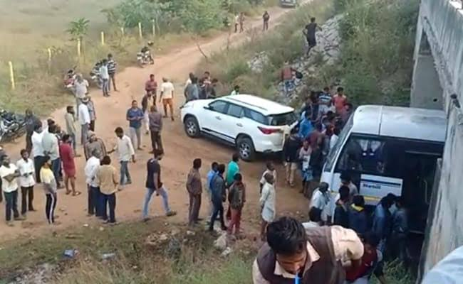 """Image result for हैदराबाद गैंगरेप मर्डर के आरोपियों का तेलंगाना पुलिस ने किया एनकाउंटर !"""""""